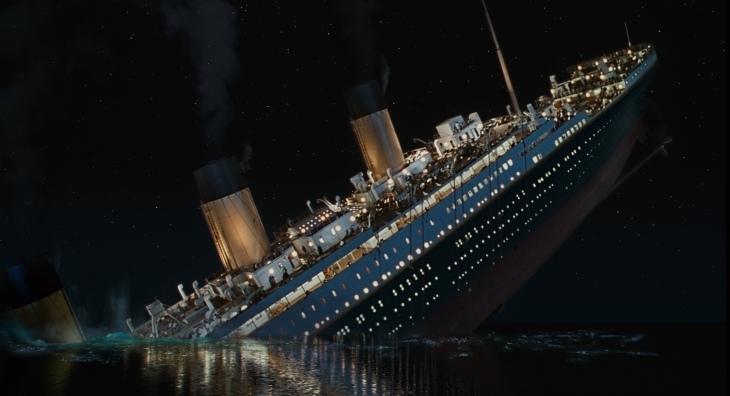 Titanic-1997-revoiceindia.jpg